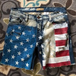 Flag cut off shorts by Aphrodite